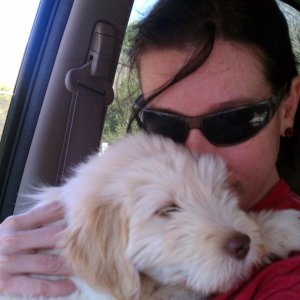 Lovin on mom in the car =)